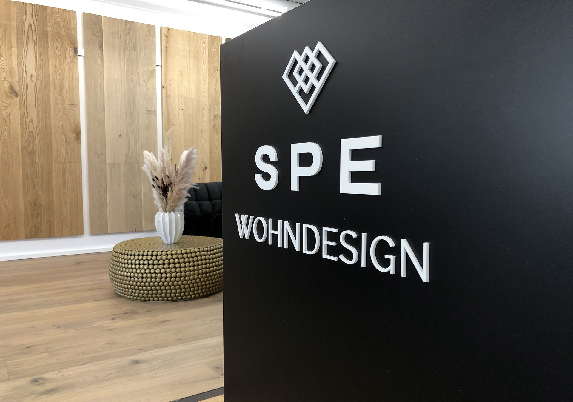 3D-flachschrift-acrylglas-weiss-spe-wohndesign